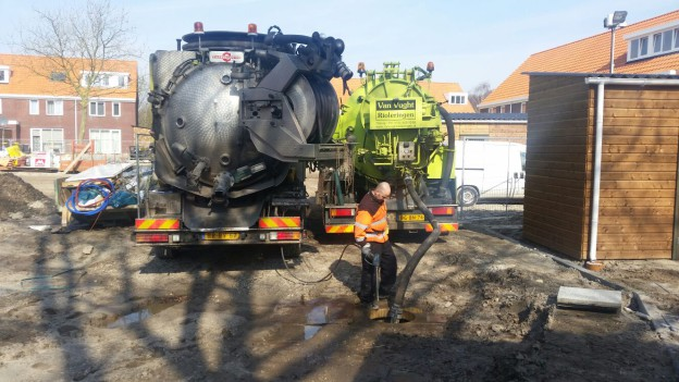 Reinigen riool voor oplevering inspectie